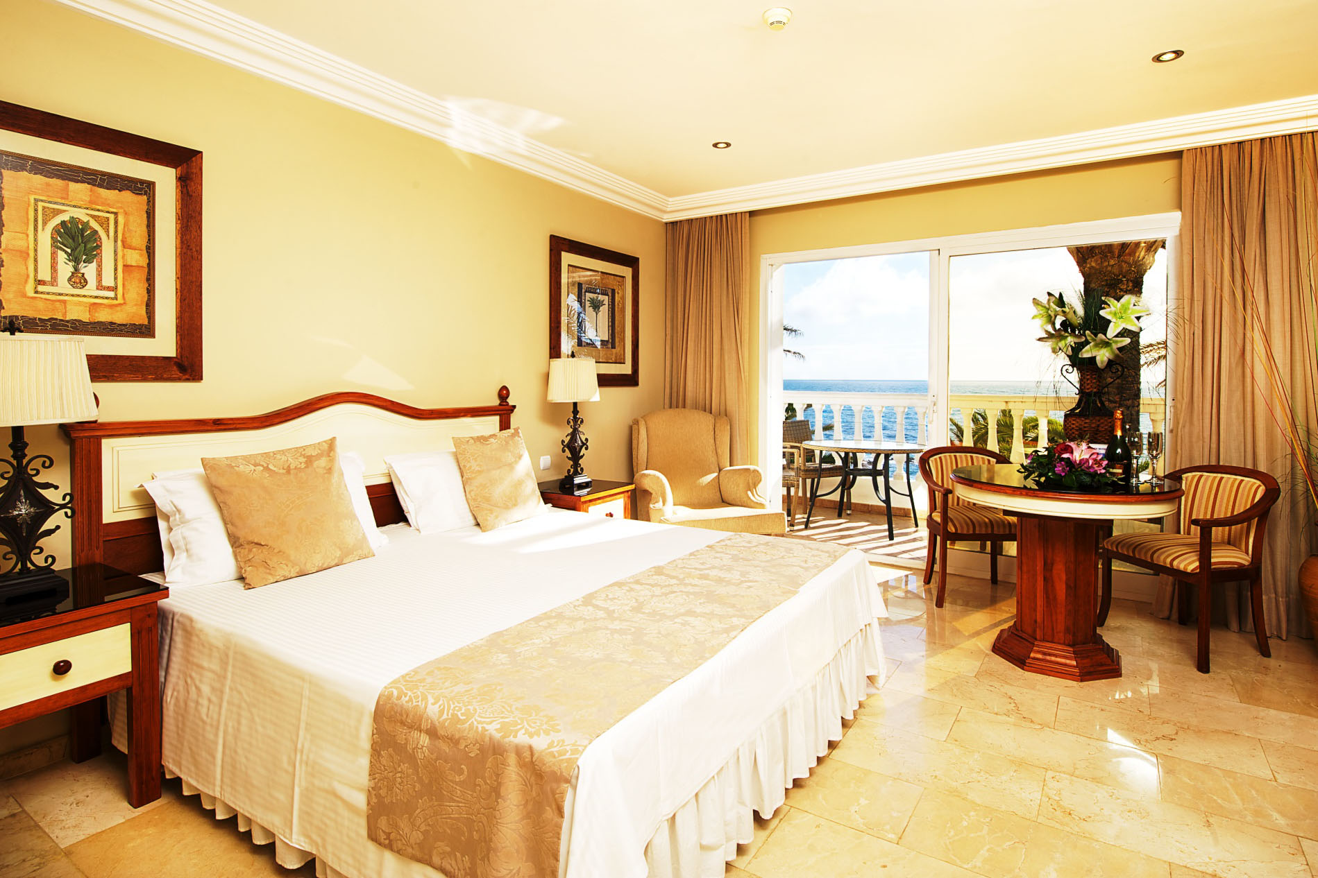 Hotel reservation el oceano beachfront hotel for Booking hotel