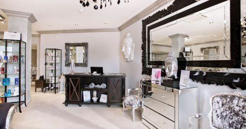 Hair Stylists, Nail Bar and Body Massage at El Oceano Beauty Salon - Beauty Treatments between Marbella and La Cala