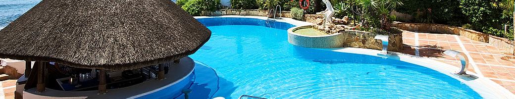 The Heated Outdoor Pool and Pool Bar at El Oceano Hotel between Marbella and La Cala de Mijas